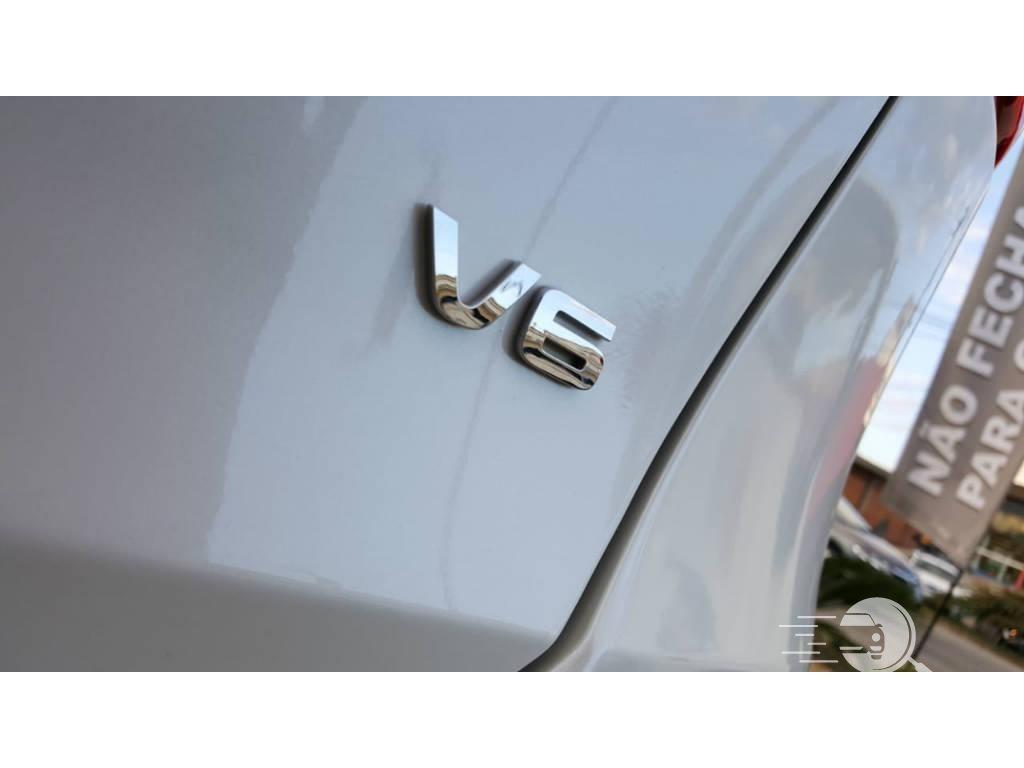 Sorento V6  4P   2016