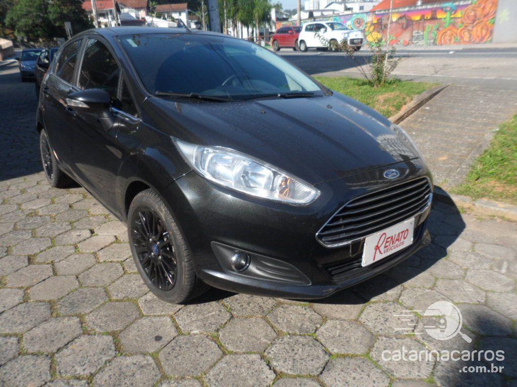 Fiesta 1.6 titanium hatch 16v flex 4p powersh  4P   2015