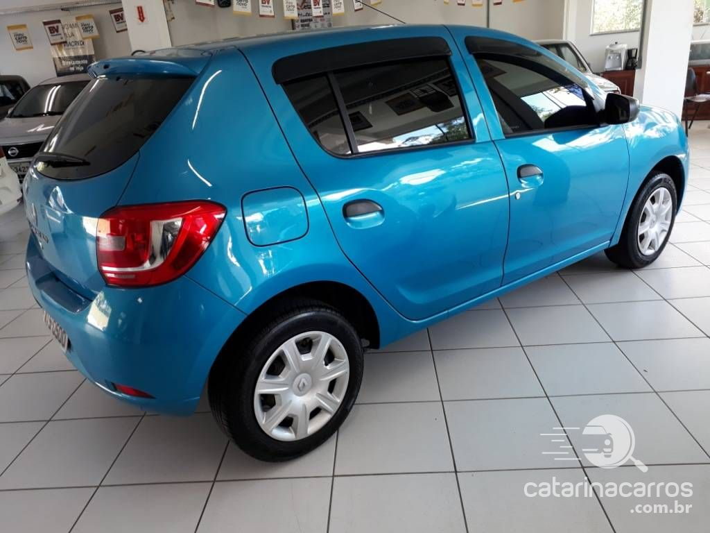 Sandero Authentique 1.0 completo  4P   2015