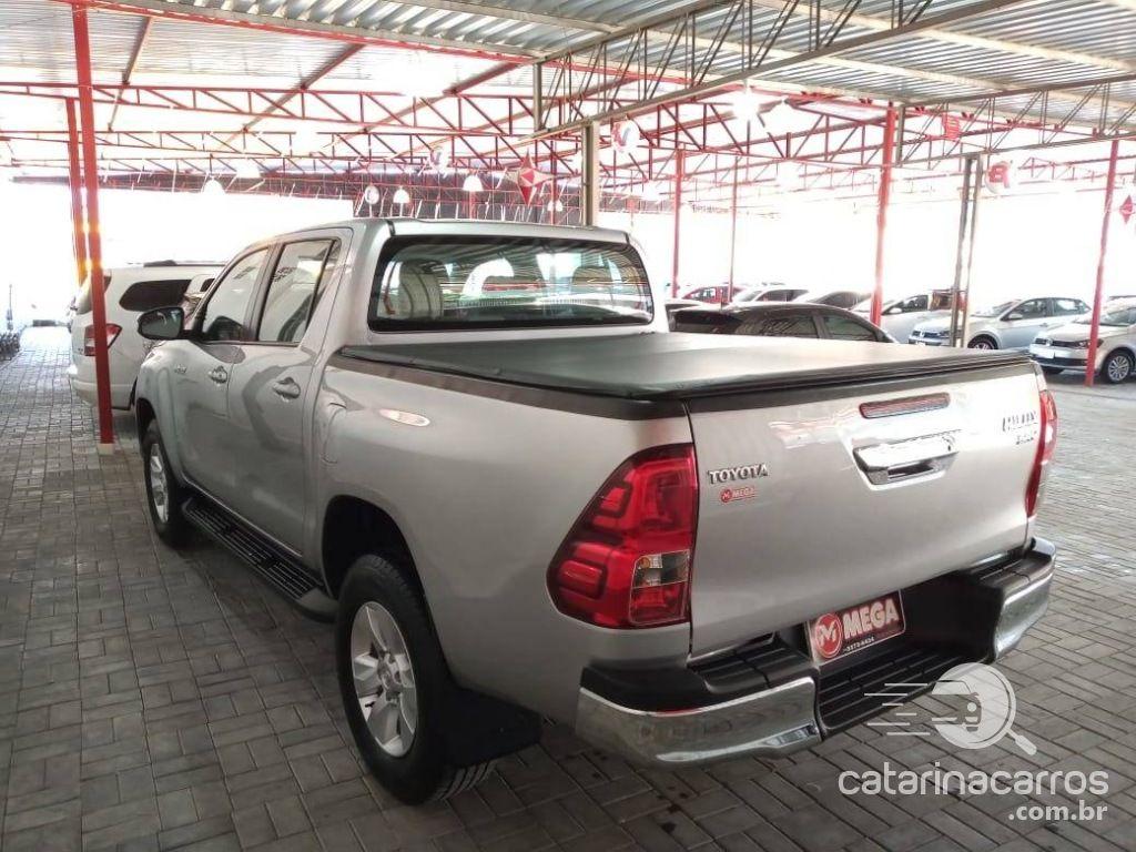 Hilux 2 8 Srv 4x4 Cd 16v Diesel 4p Automatico 4p 2016 Em Guaramirim Catarinacarros Com Br